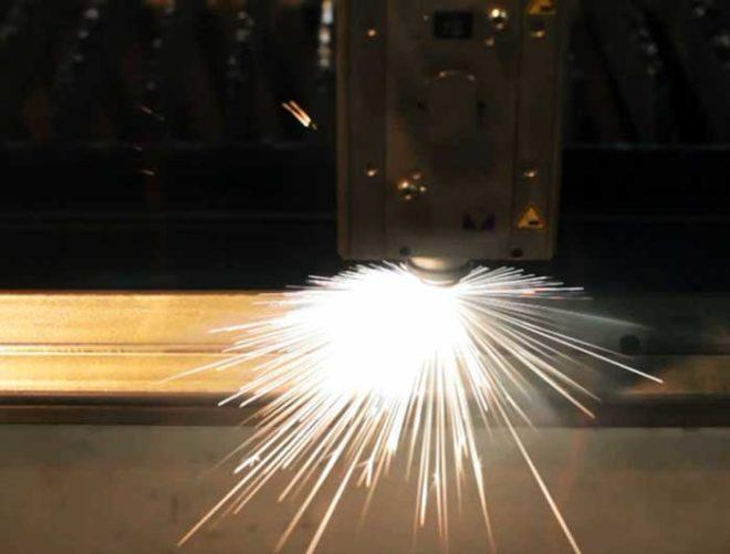 decoupe-laser-buton-industries-machine